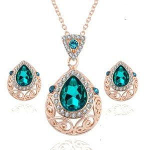 Gorgeous Bohemia Crystal & Gold Necklace Set